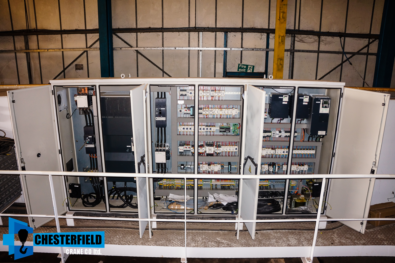 http://www.chesterfieldcrane.co.uk/wp-content/uploads/2017/02/6.-Chesterfield-Crane-Company-Inverter-Control-Crane.jpg